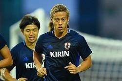 アジア・2次予選での4戦連発を記録。本田の決定力は、現代表のなかで群を抜いている。 写真:小倉直樹(サッカーダイジェスト写真部)