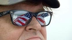 """マイケル・ムーア監督がアメリカの世界""""侵略""""政策に参加!?  - (C)2015, NORTH END PRODUCTIONS"""