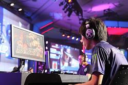 『国際共同制作プロジェクト 格闘ゲームに生きる』