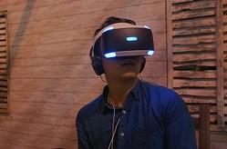PlayStation VR の体験ブースは大人気に