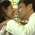 サプライズ結婚式を挙げた大渕愛子弁護士と金山一彦
