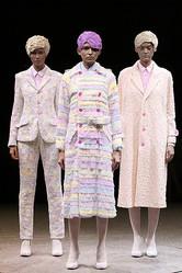 アンリアレイジ「色を脱いだり着たりする服」発表