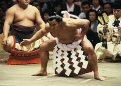 「ウルフ」と愛された千代の富士関(写真:山田真市/アフロ 1987年5月14日撮影)