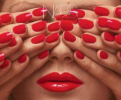 NARSが原宿に限定ストア出店、ファッション写真家ギイ・ブルダンとコラボ