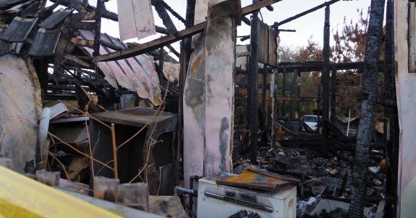火災で全焼の原因に「電気止められローソク暮らし」と報道 遺族が困惑 ...