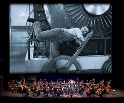 公演風景イメージ、Modern Times ©Roy Export S.A.S.