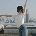 シャネル新作「Nº5 L'EAU」 日本人バレエダンサーが表現