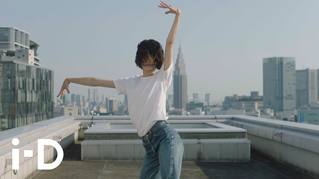"""シャネル新作『CHANEL Nº5 L'EAU』を日本人ダンサーがバレエで表現 テーマは""""二面性"""""""