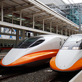 日本の「新幹線」技術が導入された台湾高速鉄道。車両は東海道・山陽新幹線の700系がベース(2014年11月、恵 知仁撮影)。
