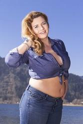 「ぽっちゃり」だと感じる女性の体重は?「56kg〜60kg 25.2%」