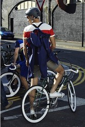 H&Mが″サイクリング男子″向けコレクション発表 英国の自転車専門店とタッグ