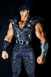 等身大 北斗の拳ケンシロウがスワロフスキー50万個を纏い登場 時価1,000万円