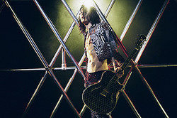 G-SHOCKとサムライギタリストMIYAVIがコラボプロジェクト始動