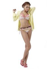 パルコの海ガール水着は+1が好調、2011年は″羽織る″がキーワード