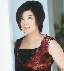 桜田淳子が32年ぶりTOP50入り、自ら監修の40周年記念ベスト盤で。