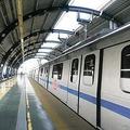 中国国営テレビのニュース専門チャンネルの央視新聞が、中国版ツイッターである微博の公式アカウントにて、22日にJR南浦和駅で女性がホームと電車の間に足が挟まれた際に、乗客が力を合わせて電車を押し、女性を救出したことを伝えた。(イメージ写真提供:123RF)