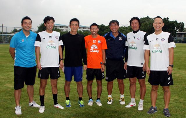 (左から)小倉敦生、加藤光男、樋口大輝、櫛田一斗、ヴィタヤ、加藤好男、白木庸平