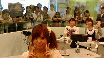 渋谷スペイン坂スタジオにて左より星村麻衣、荘口彰久、高樹千佳子