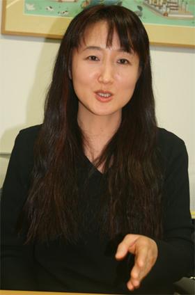 長男虐待騒ぎの柳美里 J-CASTニュースに真相告白 - ライブドアニュース