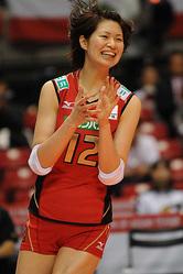 仲間のプレーに拍手を送る木村選手 (Photo by T.Ebisu)