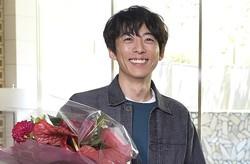 高橋一生『東京独身男子』クランクアップで感謝!「色々なことを学ばせていただいた」