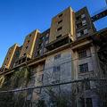 「心が壊れた」築60年超の老朽マンションに1人住み続けたら…