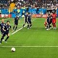 17日、サッカー日本代表のキャプテンを務め、このほど代表からの引退を表明した長谷部誠について、「W杯のベルギー戦で腰を骨折していた」と報じられたことが、中国のネット上でも話題になっている。写真はベルギー戦。