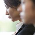 大手銀行に入社も1年で転職 日本の古い体質を見た24歳女性の真意