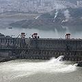 世界最大 中国のダムに決壊の噂