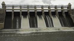 ダムでセルフィー撮ろうとして……4人が死亡 インド