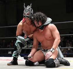 ドラゴン・キッド(左)とタッグを組むことになったYAMATO