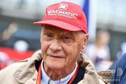 フォーミュラワン(F1、F1世界選手権)の伝説的ドライバー、ニキ・ラウダ氏。16F1オーストリアGPにて(2016年7月3日撮影)。(c)ANDREJ ISAKOVIC / AFP