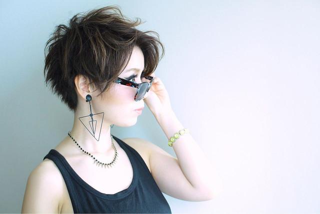 黒髪が映える!】オンナらしさが際立つベリーショートヘア