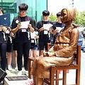 釜山の平和の少女像(資料写真)=(聯合ニュース)≪転載・転用禁止≫