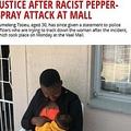 ペッパースプレーをかけられる被害に遭った母子(画像は『EWN 2019年8月16日付「VANDERBIJLPARK MOM WANTS JUSTICE AFTER RACIST PEPPER-SPRAY ATTACK AT MALL」(Picture: Mia Lindeque/EWN)』のスクリーンショット)
