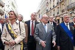 ゴーンの後継者としてルノー次期会長に浮上したブルーノ・ゴルニッシュ(写真右端)。左は現国民連合党首(旧国民戦線)のマリーヌ・ル・ペンと国民戦線創始者で初代党首のジャン=マリー・ル・ペン photo by Marie-Lan Nguyen via wikimedia commons(CC BY 3.0)