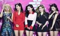 2019年1月15日、韓国・ソウルのコチャック・スカイドームで開催された「2019ソウル・ミュージック・アワード」の期間中、フォトコールに登場した韓国のアイドルグループ「TWICE(トゥワイス)」