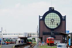 真岡鉄道の真岡駅舎はSLを模したデザイン