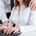セクハラ上司を告発した結果「逆襲」され会社を追われた被害女性