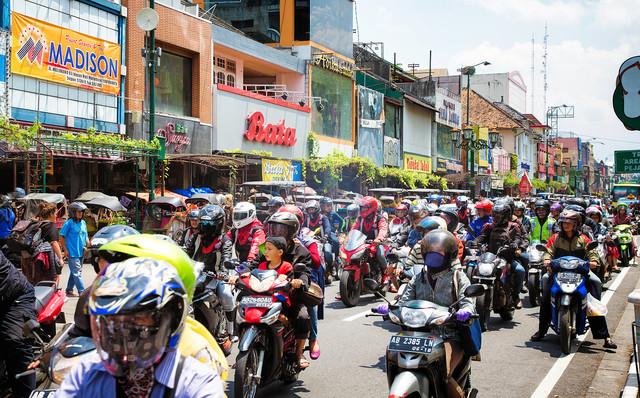 ホンダ、電動バイクの交換式バッテリーをインドネシアでテストへ