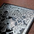 ヴィレッジヴァンガードが黒魔術ノート発売 メタリック装丁が特徴