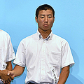 第99回全国高校野球選手権大会の抽選会。当時、花咲徳栄の主将だった千丸剛容疑者(右)