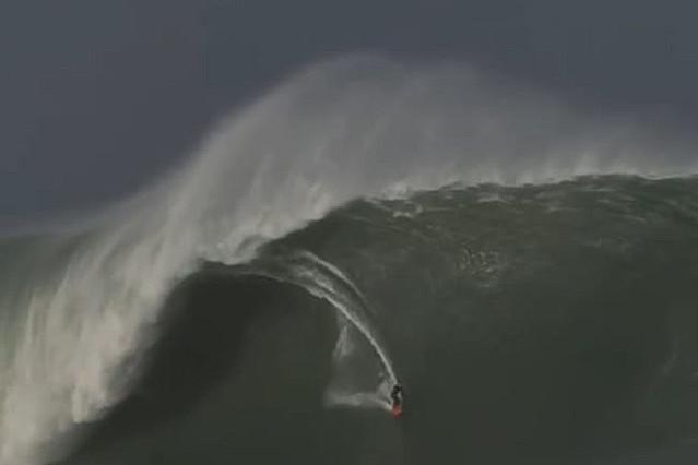 ビル6階相当、18m超の巨大波を制覇 海外サーファーに衝撃「こんな波見たことない」