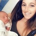 病院側の過失で我が子を亡くした母親(画像は『Metro 2020年10月25日付「Baby died after feeding tube pierced his heart when it was inserted incorrectly」(Pictures: MEN Media)』のスクリーンショット)