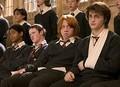 常に何かを爆発させていた、愛されキャラのシェーマス(左から2番目)  - Warner Bros. / Photofest / ゲッティ イメージズ