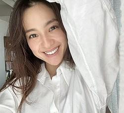 中村アン&清原翔&柚香光が出演 オンワード樫山TVCM『今、私たちは、試着室の中にいる』篇より