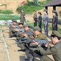 北朝鮮の準軍事組織・労農赤衛軍の兵士ら(ウェブサイト「朝鮮の今日」)