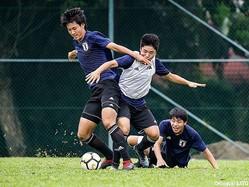 雰囲気よくトレーニングを行うU-16日本代表