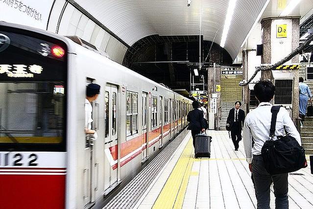 大阪メトロ御堂筋線で…