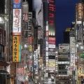 緊急事態宣言が解除された5月25日の新宿・歌舞伎町(時事通信フォト)